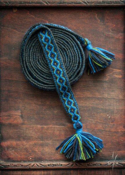 Blue tablet woven belt. Woven by Anna Grzelak | nigdziekolwiek.com